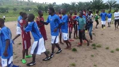 Un match de football opposant deux équipes de la JPD à Mpanda