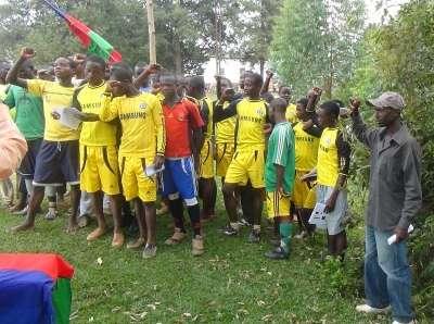 Une réunion et un match de foot de la JPD de la commune de Nyabiraba.